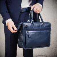 Цветовые решения в производстве мужских кожаных сумок